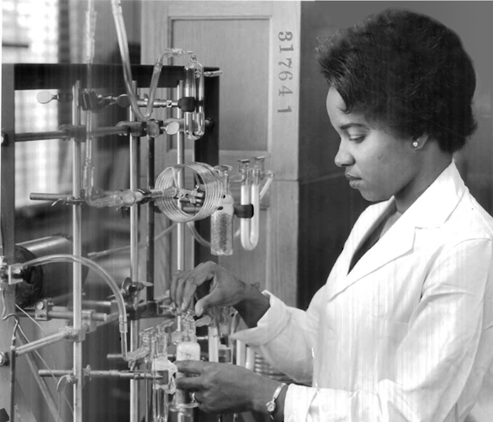 Reatha King in UChicago laboratory