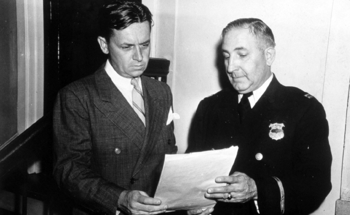 Eliot Ness and Cleveland police captain Arthur Roth in 1940